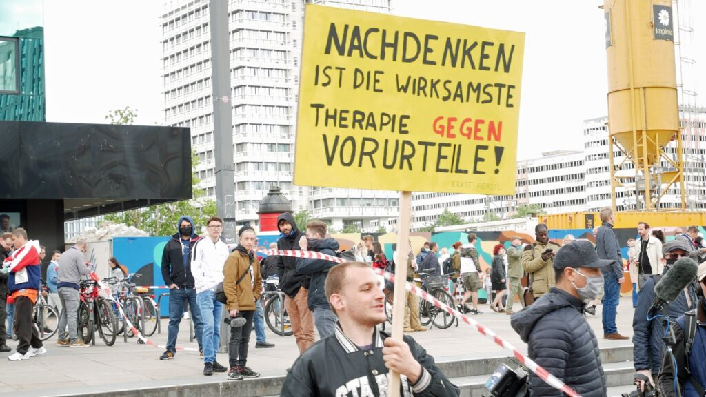 """""""Corona-Demos"""" sind in Berlin eine Zeit lang eine typische Szene an Samstagnachmittagen"""