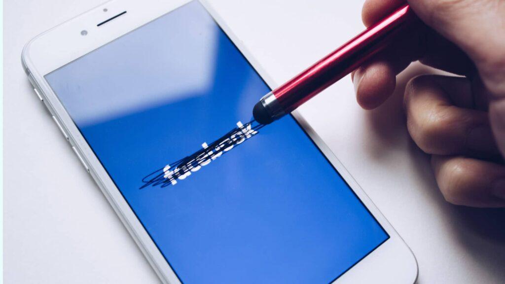 Im Zuge der Rassismus-Debatte brechen Facebook immer mehr Werbepartner weg