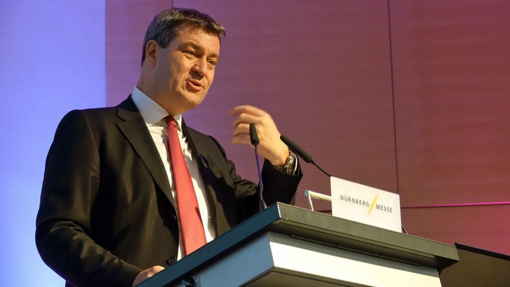 Bayerns Ministerpräsident Markus Söder (CSU) stellte sich den Fragen von Journalist Ulrich Wickert (Archivbild)