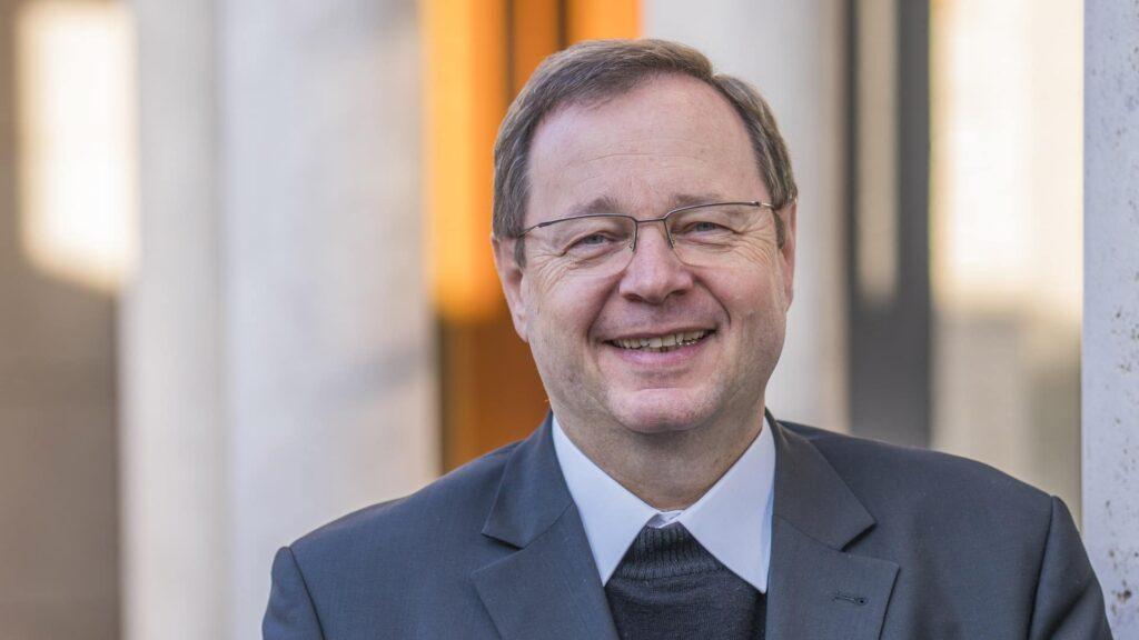 Der Vorsitzende der Deutschen Bischofskonferenz, Georg Bätzing, lobte den Zentralrat der Juden unter anderem für die Integration verschiedener religiöser Strömungen in der jüdischen Gemeinschaft