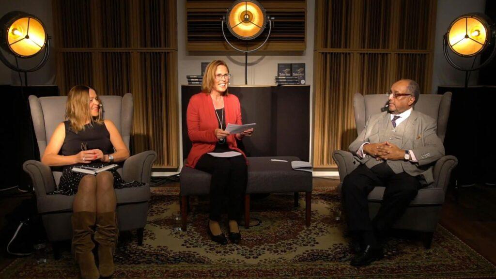 Die Online-Pressekonferenz mit Annette Friese (links) und Asfa-Wossen Asserate (rechts) moderierte Ellen Nieswiodek-Martin.