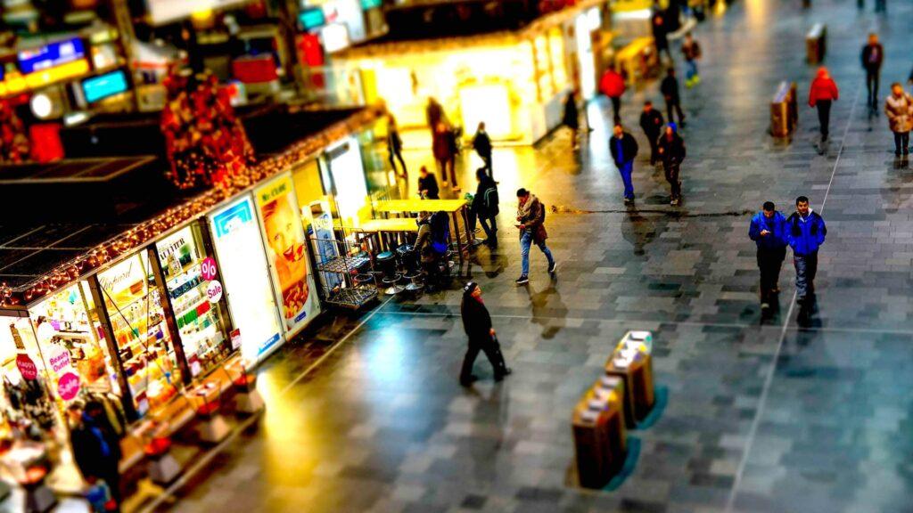 Geht es nach dem Präsidenten des Handelsverbandes Deutschland (HDE), Josef Sanktjohanser, sollten Geschäfte auch an Sonntagen mehr öffnen dürfen
