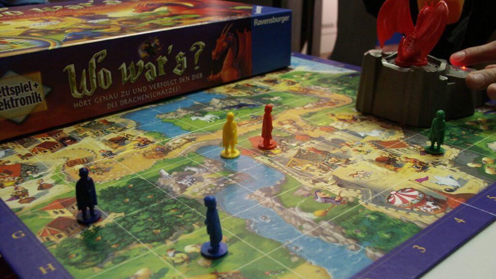 Vor allem in Familien wird immer noch gerne gespielt: Das Spieleportal GospelGames.de möchte einen Überblick über Gesellschaftsspiele mit christlichem und kirchlichem Bezug geben.