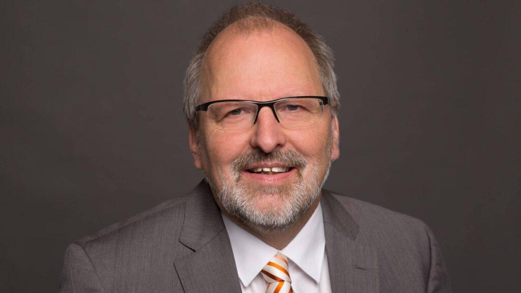 Der Chef des Lehrerverbandes Heinz-Peter-Meidinger zeigt sich besorgt