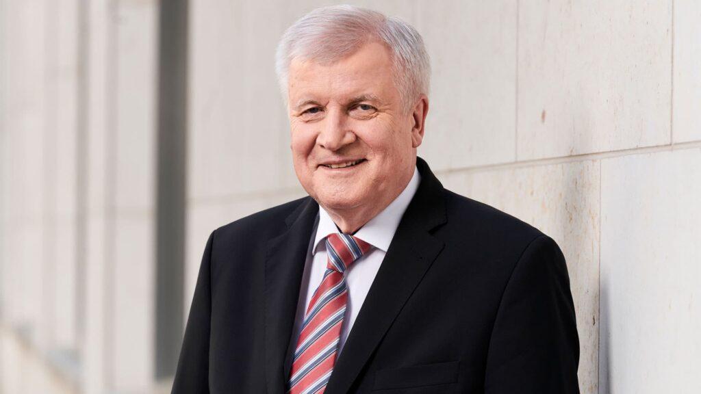 Bundesinnenminister Horst Seehofer (CSU) hat vor Aktionismus beim Kampf gegen Terrorismus gewarnt