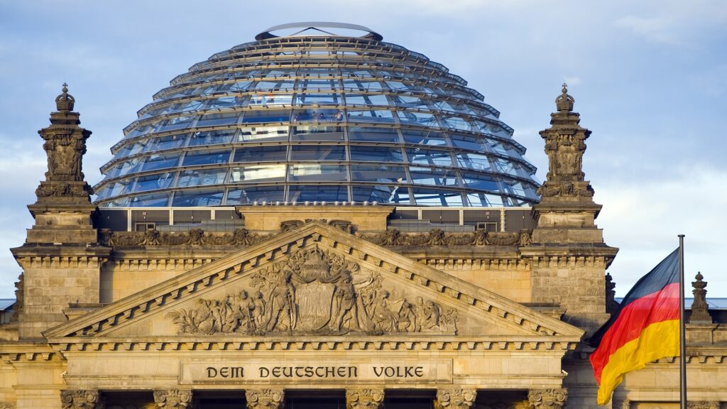 Die Mehrheit des Bundestages hat für das umstrittene Infektionsschutzgesetz gestimmt