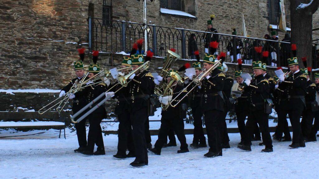 Bei der Bergparade präsentieren die Erzgebirger ihre Tradition