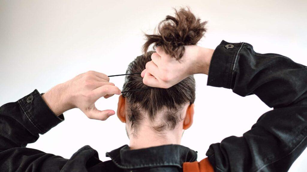 Die Länge des Haars entwickelt sich proportional zur Länge des Lockdowns