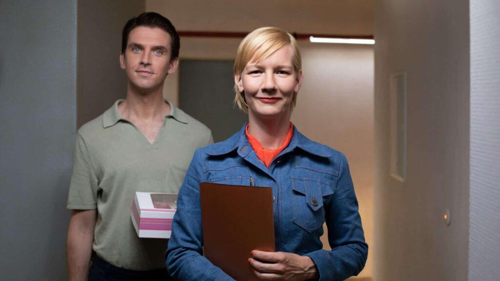 """Kann ein Roboter lieben? Und kann man einen Roboter lieben? Im Berlinale-Beitrag """"Ich bin dein Mensch"""" mit Sandra Hüller in einer Nebenrolle und Dan Stevens als Android behandelt diese Fragen."""