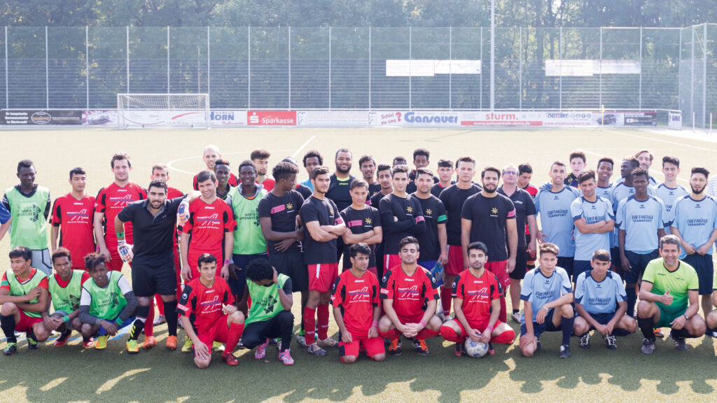 Werte haben auch im Sport einen wichtigen Stellenwert. Deswegen hat SRS verschiedene integrative Angebote gestartet, bei der sie Flüchtlinge in ihre Arbeit einbeziehen.