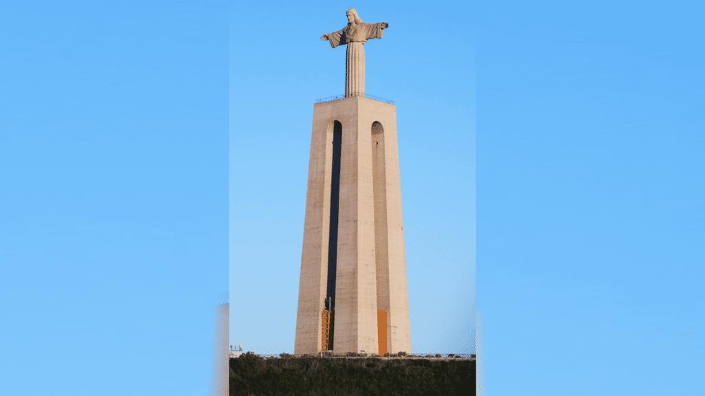 Christus König von Almada