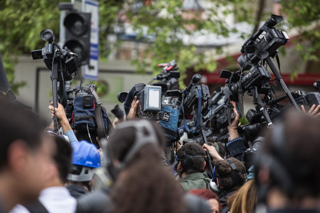 Journalisten, Berichterstattung