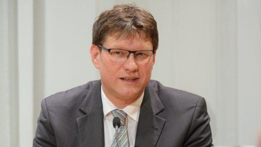 Uwe Heimowski (Archivbild) ist Beauftragter der Deutschen Evangelischen Allianz am Sitz des Bundestages und der Bundesregierung. Er engagiert sich im Vorstand der Christlichen Medieninitiative pro, zu der auch dieses Magazin gehört.
