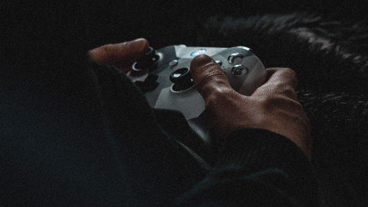 Computerspieltechnologien überwachen – mit dieser Idee hat sich der Bundesinnenminister keine Freunde gemacht