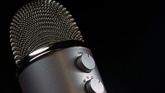 Bis zu zehn Stellen für Hospitanzen beim Kirchentagsradio 2021 in Frankfurt am Main vergibt die Arbeitsgemeinschaft Evangelischer Rundfunk (aer)