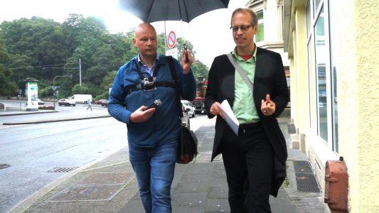 """pro-Redakteur Norbert Schäfer hat sich vom Theologen Ulrich Christenn das """"christliche Wuppertal"""