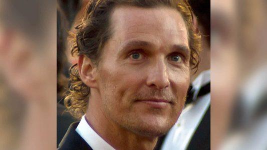 Der Hollywoodstar Matthew McConaughey ist gläubiger Christ. So offen wie er gingen in der Unterhaltungsindustrie nicht alle mit dem Glauben um, sagte er im Podcast von Joe Rogan.