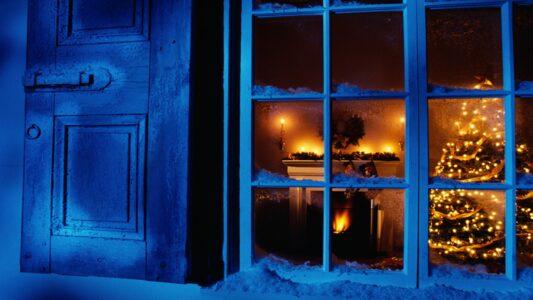 Zu Weihnachten Fernseher an oder aus? Viele Sendungen befassen sich an den Festtagen mit Glaubensthemen.