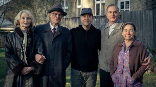"""Drehstart von """"Honecker und der Pastor"""": Von links: Margot Honecker (Barbara Schnitzler), Erich Honecker (Edgar Selge), Jan Josef Liefers (Regisseur/Produzent), Uwe Holmer (Hans-Uwe Bauer), Sigrid Holmer (Steffi Kühnert)"""