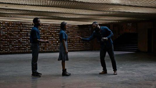 """Schauspieler proben Wunderheilungen. Der Berlinale-Kurzfilm """"Rehearsal"""" des Nigerianers Michael Omonua spielt mit der Verwirrung: Was ist echt, und was nur Theater?"""