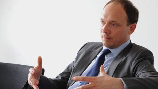 Der CDU-Politiker Marco Wanderwitz wünscht sich klare Worte von der Kirche – wenn es wirklich darauf ankommt