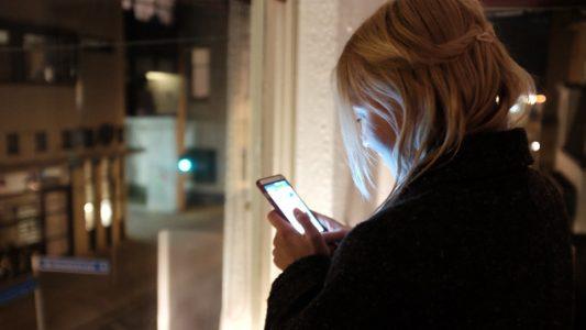 Jugendliche, junge Frau, Mädchen, Handy, Smartphone