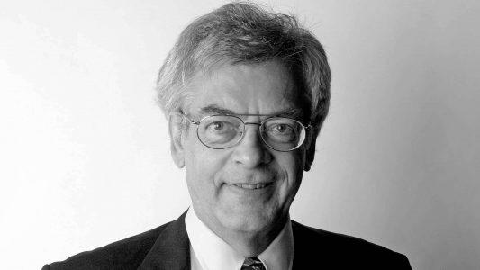 Der Gˆttinger Theologieprofessor Gerd L¸demann (Foto vom 13.9.2005) scheiterte mit seiner Klage wie in den Vorinstanzen auch vor dem Bundesverfassungsgericht. Der Beschluss des Gerichts wurde am Mittwoch (18.2.2009) verˆffentlicht. Erfolglos hatte L¸demann die R¸ckkehr auf seinen alten Lehrstuhl f¸r das Fach